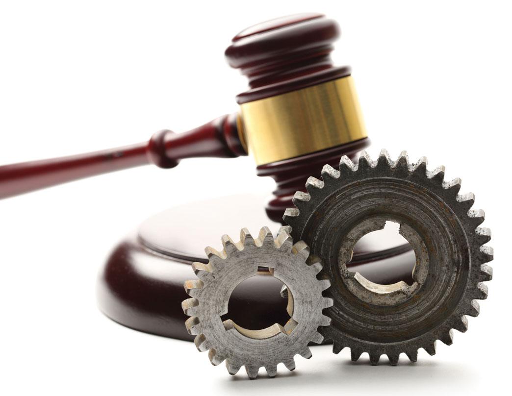 Tranh cãi quyền hành nghề dịch vụ pháp lý giữ bên 2 Bộ - 1