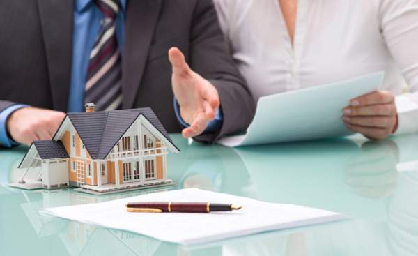 Những trường hợp nào sẽ được miễn thuế khi mua bán nhà đất ?